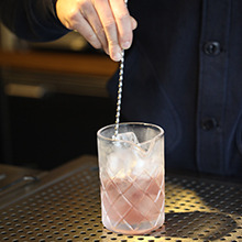 Stirrers & How to stir a cocktail image