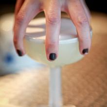 Cocktail bartending etiquette image