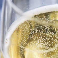 6 fascinating facts behind champagne's bubbles image