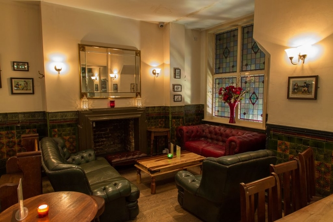 The Warwick Gastro Pub & Dining Room image 1