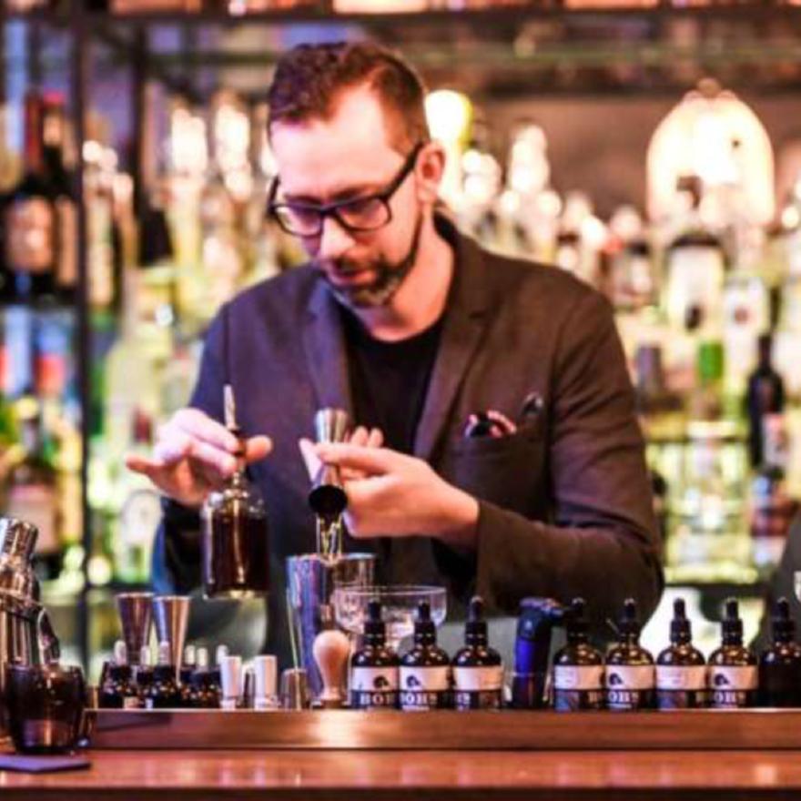 drinc. Cocktails & Conversation