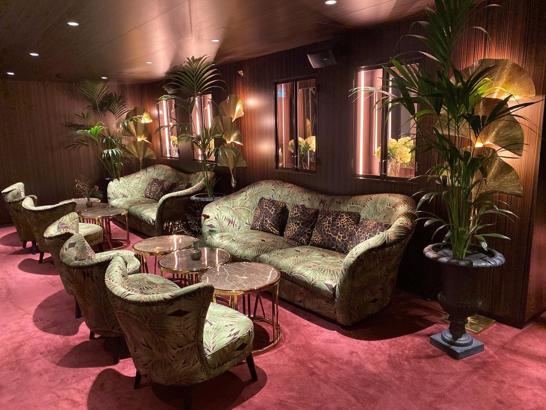 Papillon & Sophie's Bars at Bank Hotel image 2
