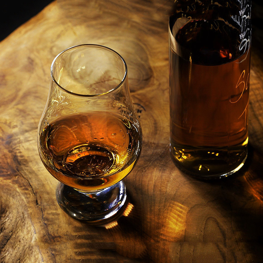 Irish Whiskey (Uisce Beatha Eireannach) image