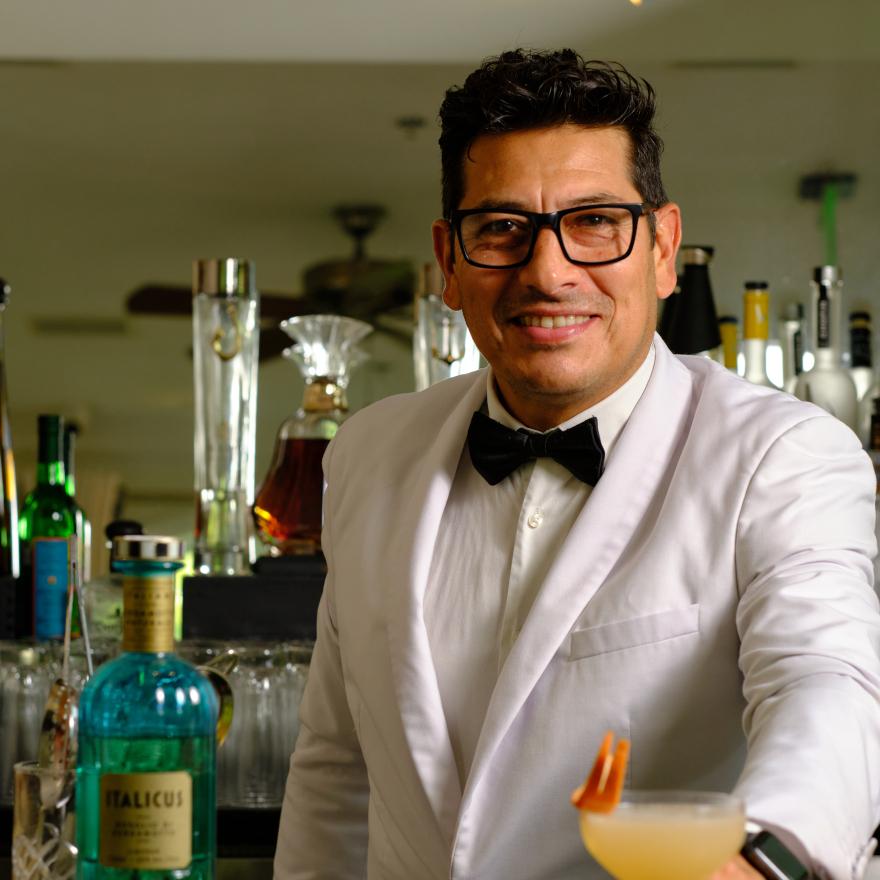 Cristian Gomez, Casa Tua image