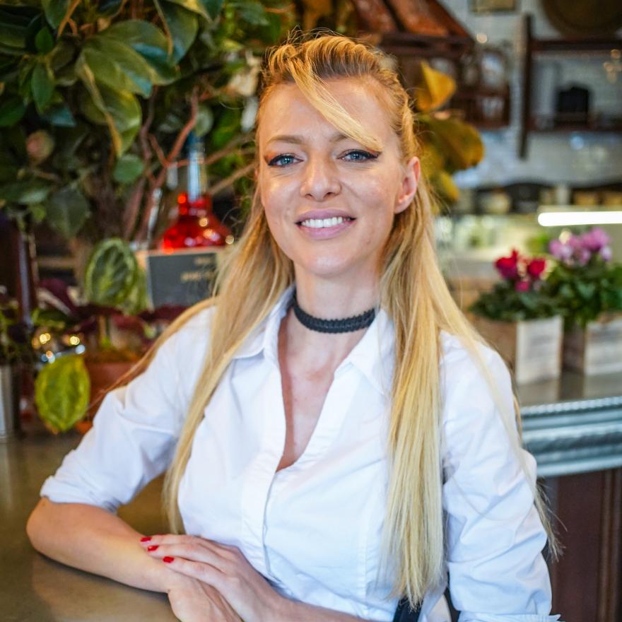 Jelena Batinic, Olio E Piu image