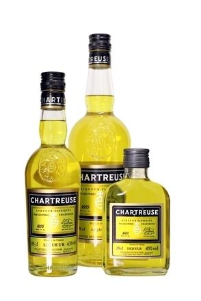 Chartreuse Jaune (Yellow Chartreuse) Liqueur image