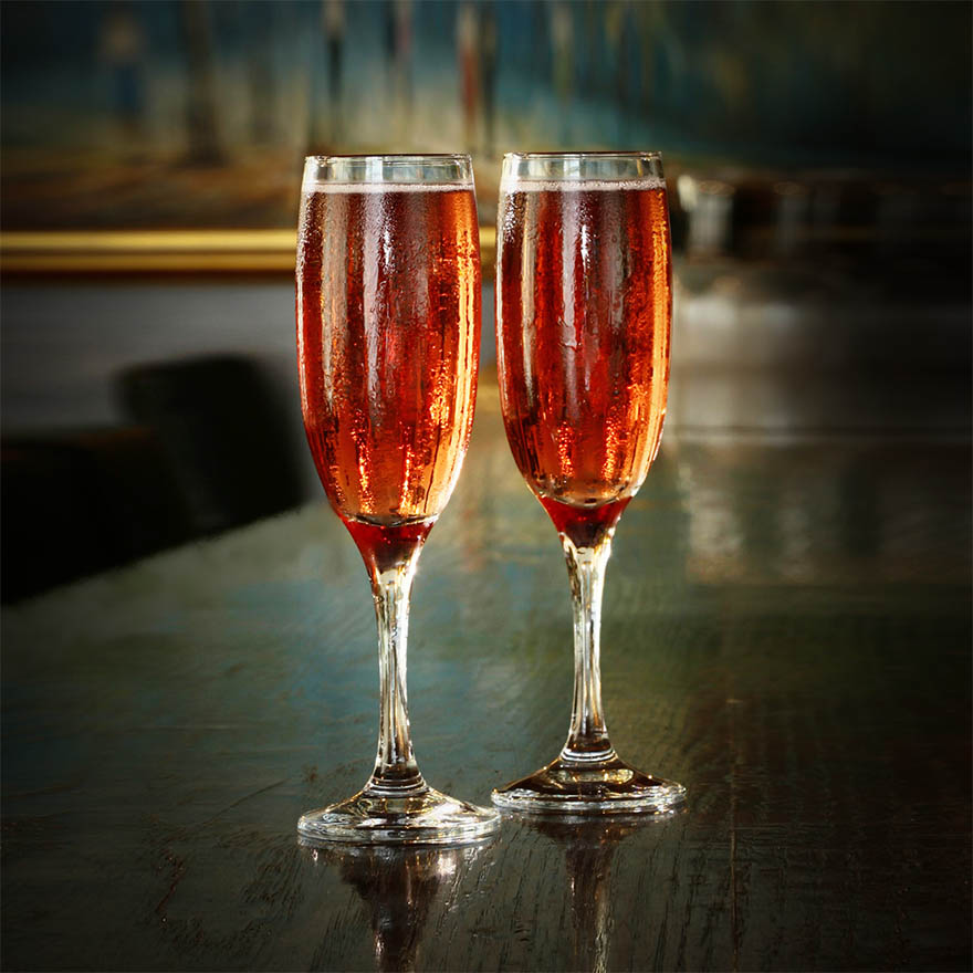 Kir and Kir Royale cocktail image