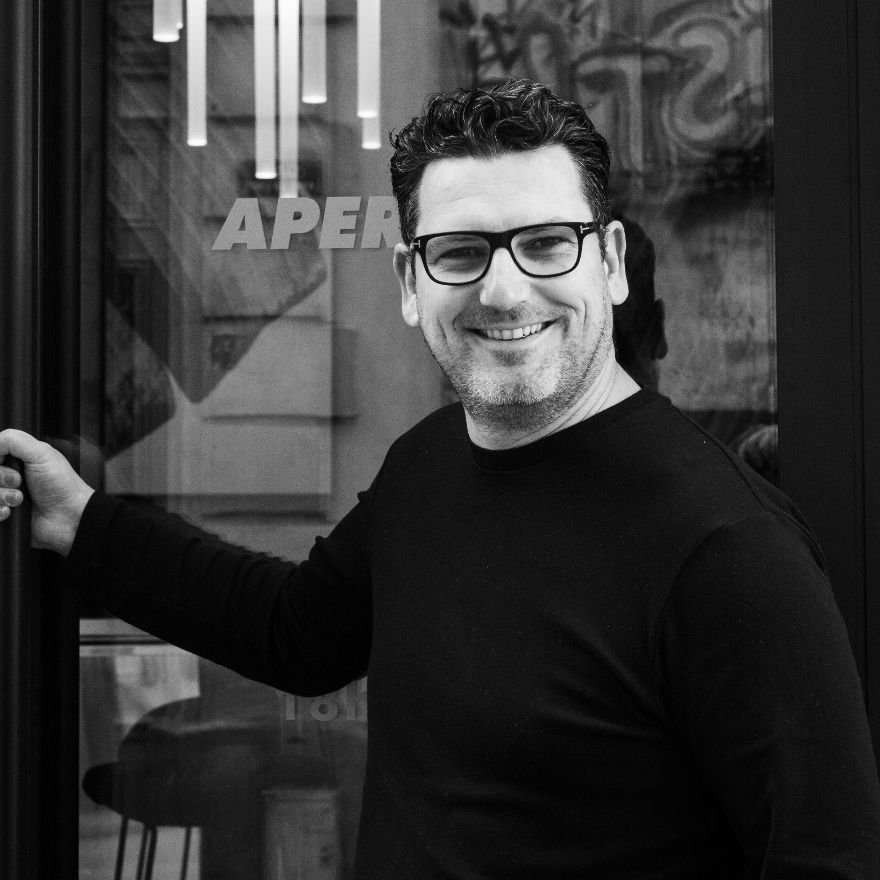 Bar Entrepreneur Julien Escot