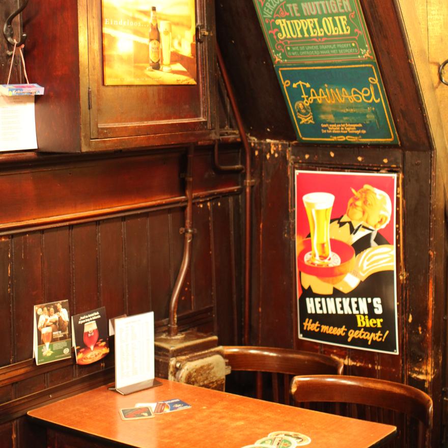 Amsterdam's proeflokaalen & brown cafés