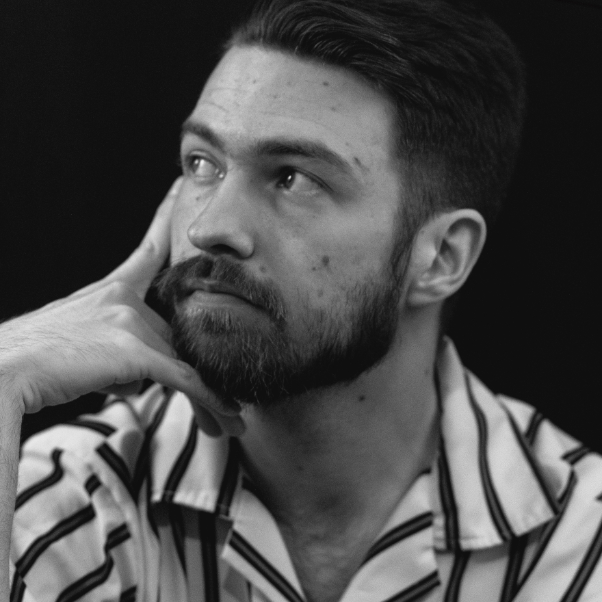 Aidan Cloet - cocktail photographer image