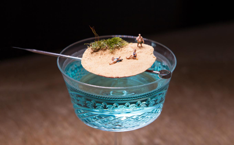Best Blue Curaçao cocktails image 1
