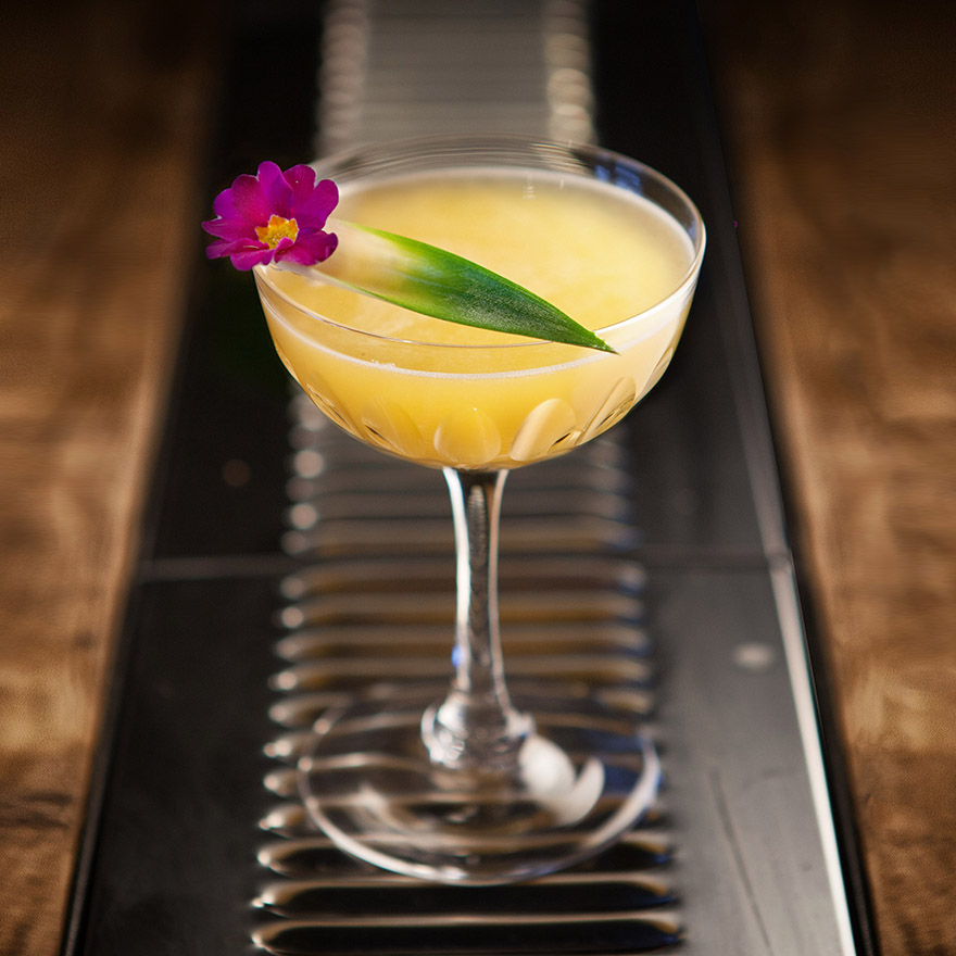 Best pineapple liqueur cocktails image