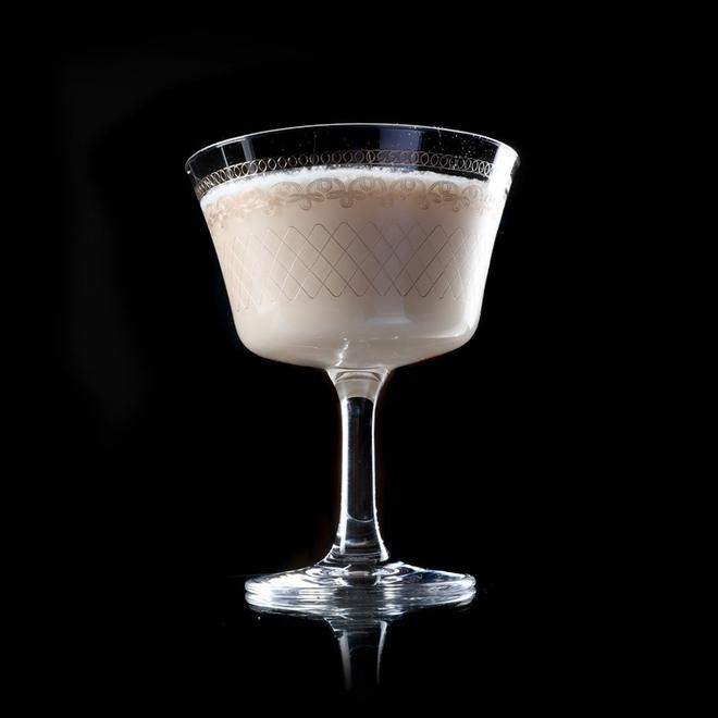 Το cocktail Alexander image
