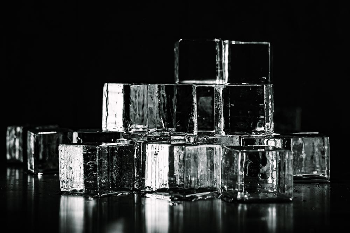 Ice - clear, cubed & crushed image 1