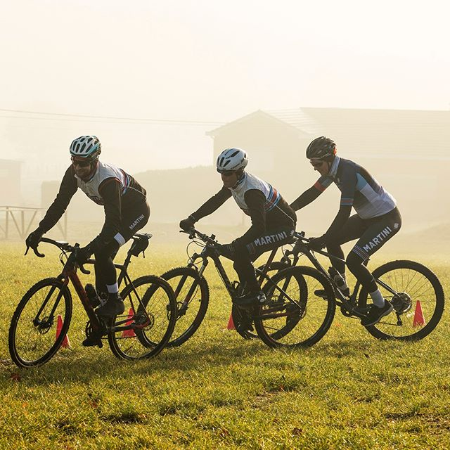 Wheel to wheel racing in the mist! Doesn't matter the season, just get on your bike and have fun!⁠ .⁠ .⁠ .⁠ .⁠ .⁠ .⁠ #martiniracingciclismo #martiniracing #martini #vermouth #ciclismo #cycling #cyclingpics #cyclingphotos #cyclinglove #cyclinglife #cyclistlife #bike #health #wellbeing #training #fitlife #sportersbelevenmeer #worklifebalance #worldchampion #champion #crossisboss #cyclocross #veldrijden #svennys #svennyscyclingcenter #wintermiles #wintermilessummersmiles #outsideisfree⁠ .⁠ Photography by @jeanvancleemput