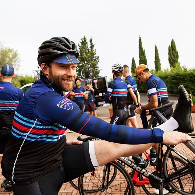 Don't forget to stretch! Cycling is a great low-impact activity but it also involves repetitive motion, so it's important to stretch before and after a ride to combat tightness and pain. Swipe through for some of the MARTINI RACING Ciclismo team's preferred stretches. ⁠⠀