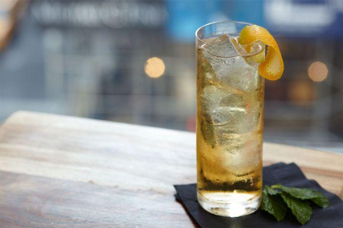 4 καλοκαιρινές συνταγές με ουίσκι image 1