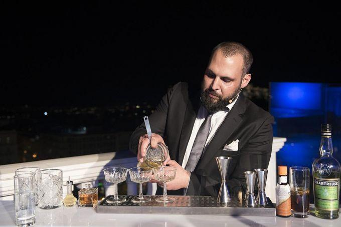Ο νικητής του elit art of martini image 1