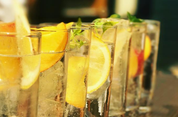 5 καλοκαιρινές ιδέες για gin & tonic image 1