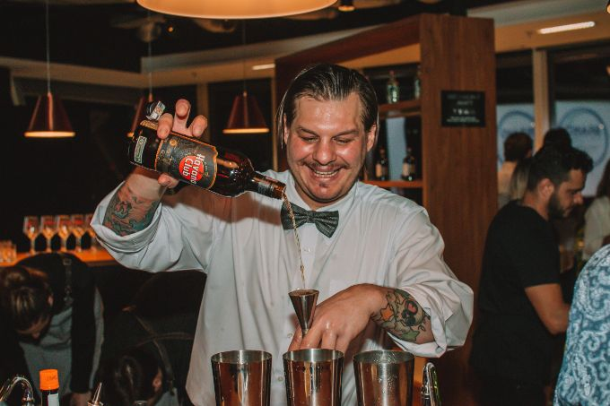 Discerning Drinkers Club fecha o ano em grande estilo image 1