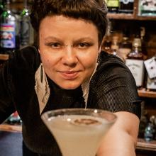 Bartenders em Casa - Carine Desiderá image
