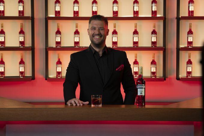 Κωνσταντίνος Τσάτσος: Cheers for the Cause! image 1