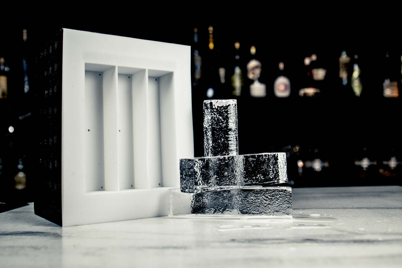 Ice Forward Clear Ice Box image 3