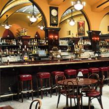 Huber's Café image