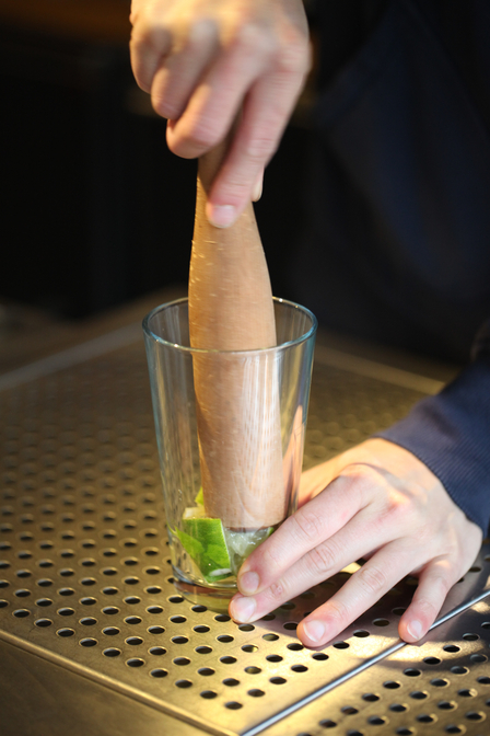 How to muddle a cocktail image 1