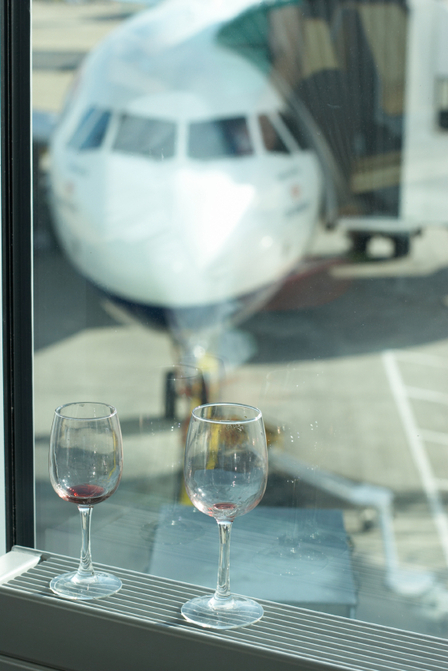 Airport Bars: why are they so bad? image 1