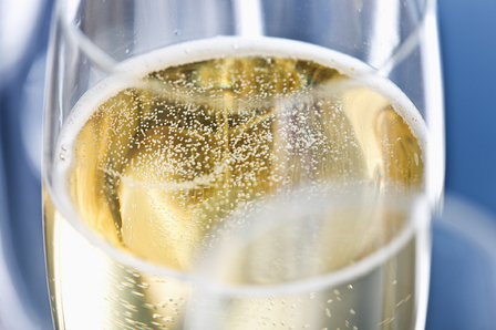 6 fascinating facts behind champagne's bubbles image 1