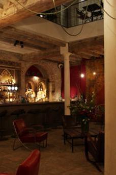 Apotheke Bar at Ocaña image