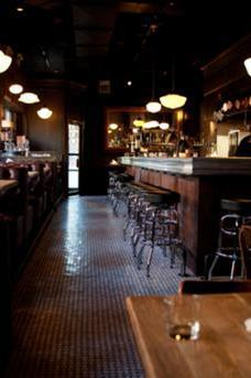 Au Cheval Bar & Diner image 1