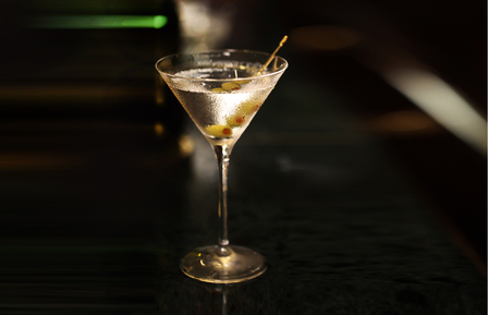 How to make a Dry Martini image 1