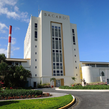 Produzido por Casa Bacardi 'The Cathedral of Rum'