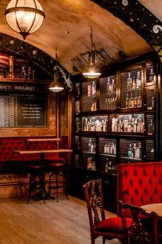 Whitechapel Gin Bar image 4