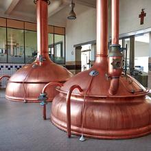 Produced by Affligem Brewery / De Smedt Brouwerij (Alken-Maes)
