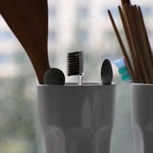 Hoje é aniversário da escova de dentes image
