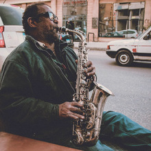 Saxofone foi inventado nesta data image