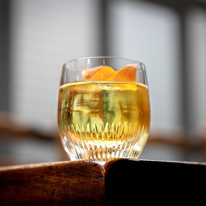 Η γεντνιανή στα cocktail image